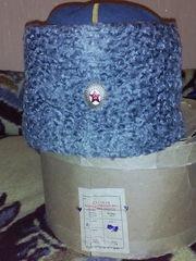 Шинель офицерскую,  папаху полковничью,  погоны,  рукавички СССР